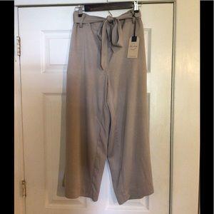 Blue earth NWT trendy wide leg khaki trousers